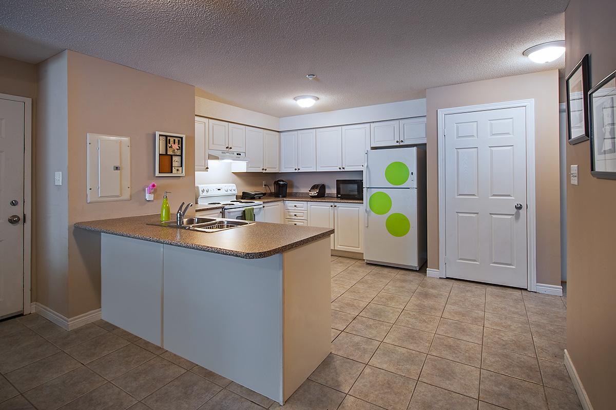 Wilfrid Laurier Unviersity – Ezra-Bricker Student Apartments