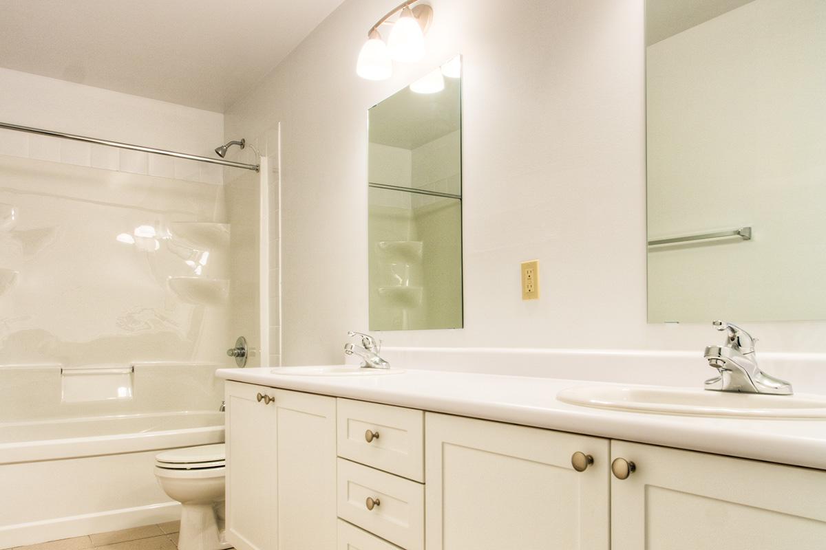 Trent bathroom suites - Manage